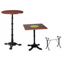 Table avec plateau stratifié werzalit, pieds retro